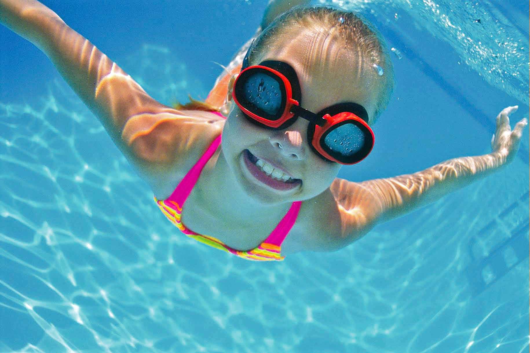 child swimming - photo #19